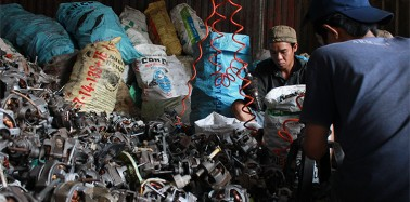 Vietnam​ searches for solutions to deal with domestic e-waste