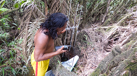Waonari chief Penti Bahuia tracking an anaconda