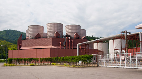 The Yanaizu-Nishiyama geothermal power plant, in Fukushima Prefecture, Japan, was able to continue generating electricity despite the devastation of the 2011 tsunami. Photo by Σ64 (Wikimedia Commons/Creative Commons)